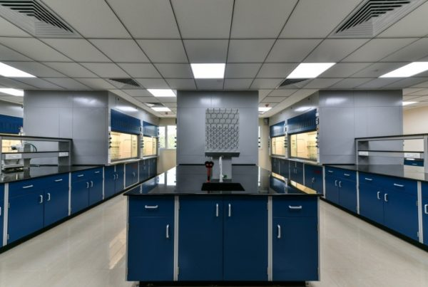 Read this guide for your Lab Furniture planning to ensure safety in your Laboratory